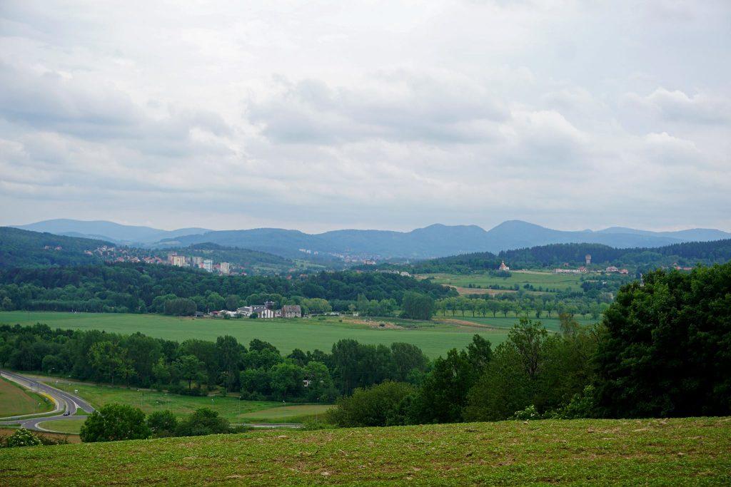 Panorama widoczna z zejścia z Sasa